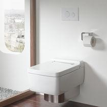 Toilettes suspendue / en céramique / sans bride