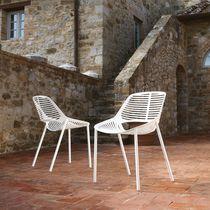 Chaise de jardin contemporaine / en fonte d'aluminium / contract / noire