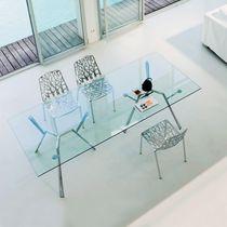 Table contemporaine / en verre / en fonte d'aluminium / rectangulaire