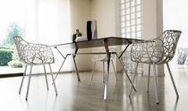 Table à manger contemporaine / en fonte d'aluminium / rectangulaire / de jardin