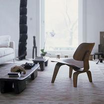 Chauffeuse contemporaine / contreplaqué / par Charles & Ray Eames