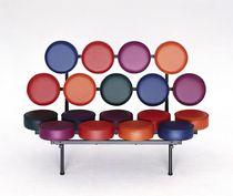 Banquette design original / en acier / pour établissement public / par Joe Colombo