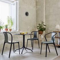 Chaise de restaurant contemporaine / avec accoudoirs / de bistrot / en bois