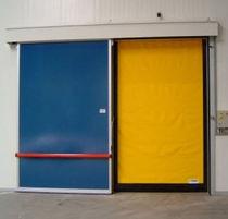 Porte industrielle enroulable / en PVC / automatique / pour chambre froide