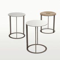 Table d'appoint contemporaine / en chêne / ronde / carrée