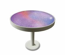 Table bistrot design original / en plastique / en aluminium / ronde