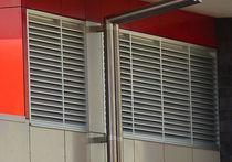 Fenêtre à lames / en métal