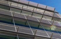 Brise-soleil en aluminium / pour façade / accessible / horizontal