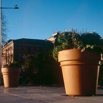 Jardinière en béton / ronde / classique / pour espace public