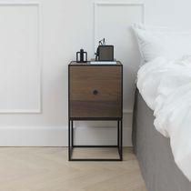 Table de chevet contemporaine / en chêne / en MDF / en plaqué bois