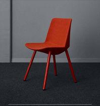 Chaise visiteur contemporaine / tapissée / en tissu / noire
