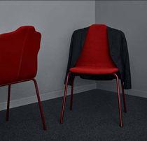 Chaise visiteur contemporaine / tapissée / en tissu / rouge