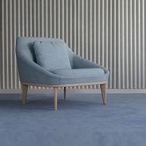 Fauteuil visiteur contemporain / en tissu / en cuir / en bois