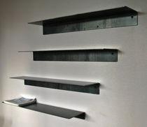 Étagère murale / contemporaine / en acier / sur mesure