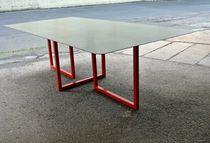 Table contemporaine / en acier / rectangulaire / sur mesure