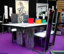 Table à manger contemporaine / en bois / en verre / en acier