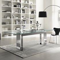 Table contemporaine / en verre / en métal chromé / rectangulaire