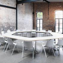 Table de conférence contemporaine / en bois / en stratifié / en métal