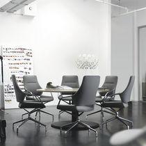 Chaise de bureau contemporaine / à roulettes / avec accoudoirs / piètement étoile