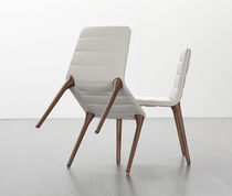 chaise contemporaine tapiss&eacute;e PIT 284 by Maly Hoffmann Kahleyss TONON