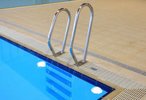 main courante en acier inox pour piscine  Myrtha Pools