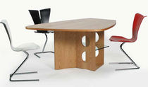 table contemporaine en bois M 21 Tecta