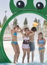 tunnel d'eau pour parc aquatique  RTS Plastics