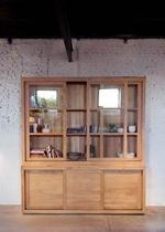 vitrine contemporaine en bois massif 51163 Studio emorational, Ethnicraft Style for Projects