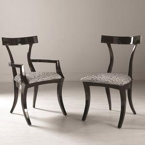 Chaise De Style Tapissee Avec Accoudoirs En Tissu