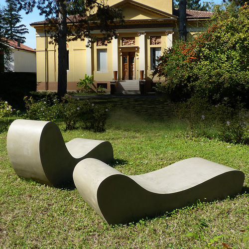 Chaise longue design organique / en ciment / de jardin / de terrasse LAND.5 LOVECEMENT