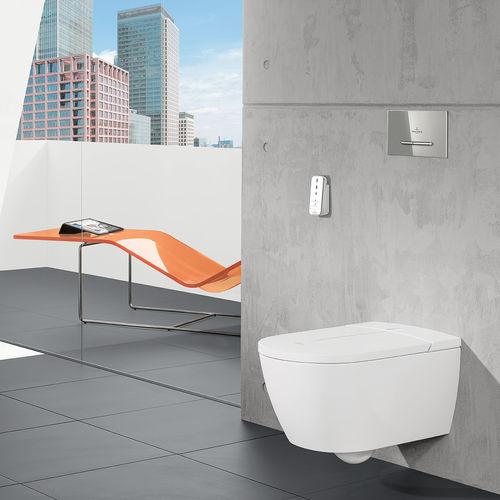 toilettes suspendue / intelligente / en céramique
