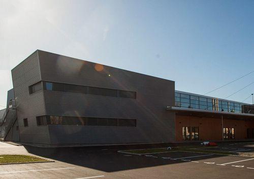 bâtiment préfabriqué / en bois / en béton / pour établissement public