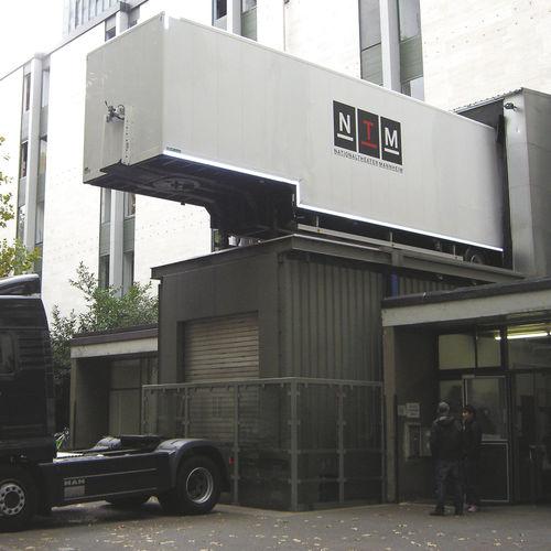 ascenseur électrique / pour usage professionnel / sans local machine