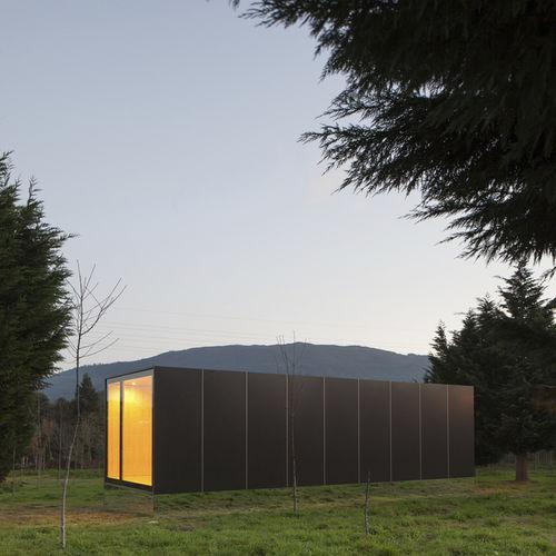 maison préfabriquée / modulaire / temporaire / contemporaine