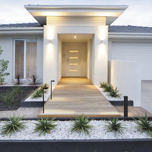 Borne d'éclairage de jardin / contemporaine / en aluminium / à LED LEMUR Brilumen