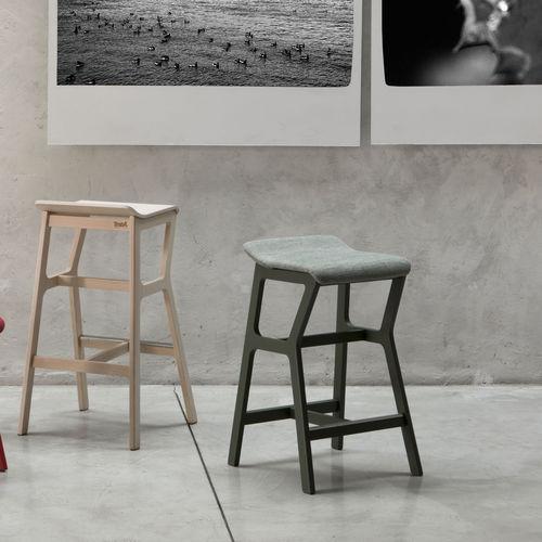 Tabouret de bar / contemporain / en hêtre / en tissu NHINO by Emilio Nanni Traba'