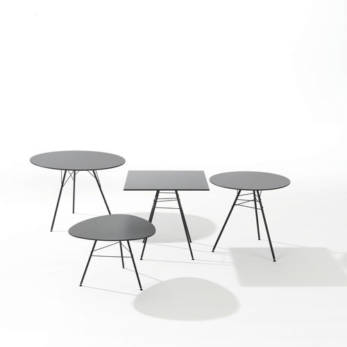 table contemporaine / en acier / en HPL / ronde