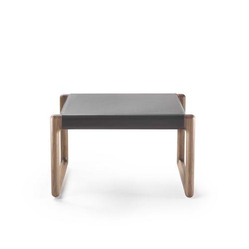 ottoman contemporain / en bois / en cuir / d'intérieur