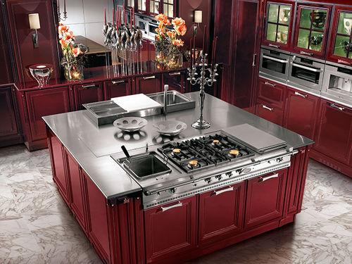 cuisine contemporaine / en bois massif / en bois laqué / en verre