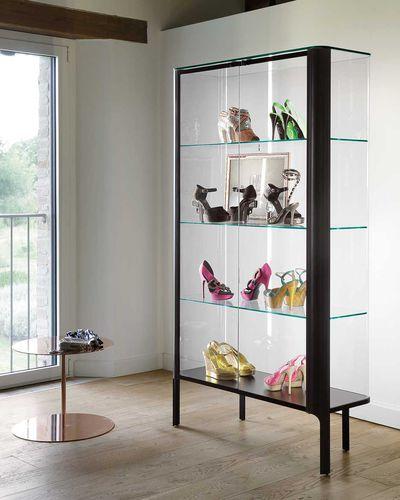 vitrine contemporaine / sur piétement / en verre / en aluminium