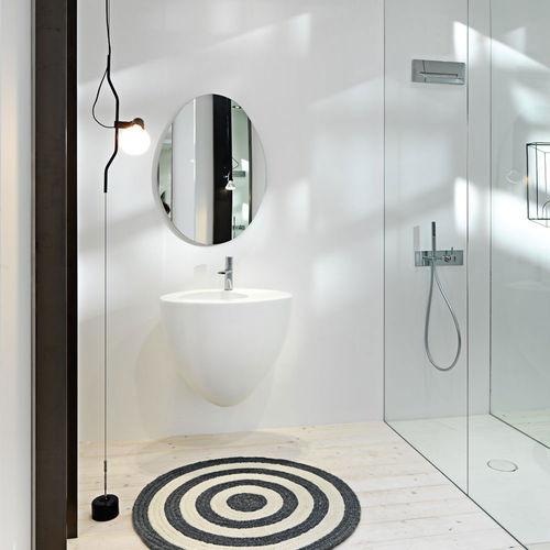 vasque suspendue / ovale / en céramique / design original