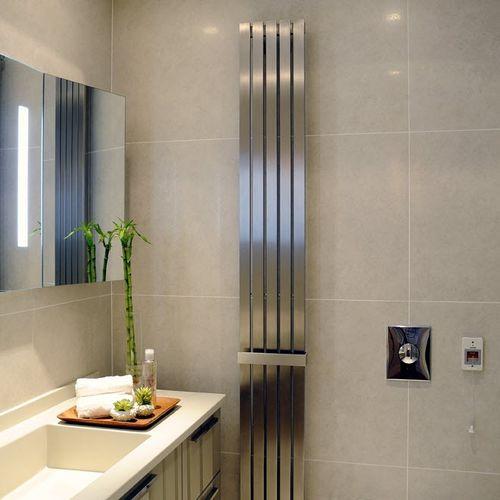 sèche-serviettes à eau chaude / en inox / contemporain / de salle de bain