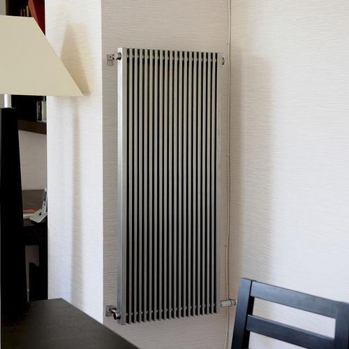 radiateur à eau à eau chaude / en inox / contemporain / vertical