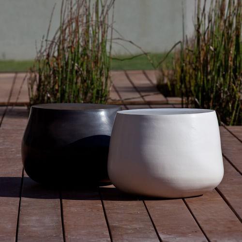 table d'appoint contemporaine / en céramique / ronde / pour espace public