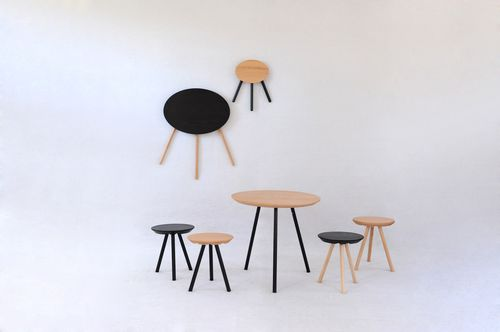 table contemporaine / en bois / ronde / pliante
