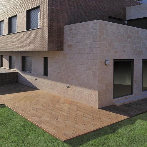 carrelage d'extérieur / au sol / en céramique / en clinker