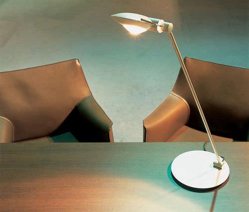 Lampe de table / design original / en aluminium / en acier PURO Occhio