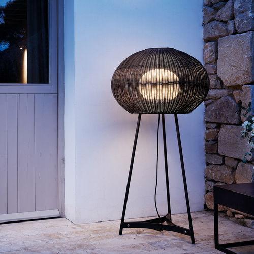 lampe sur pied / contemporaine / en acier inoxydable / en polyéthylène