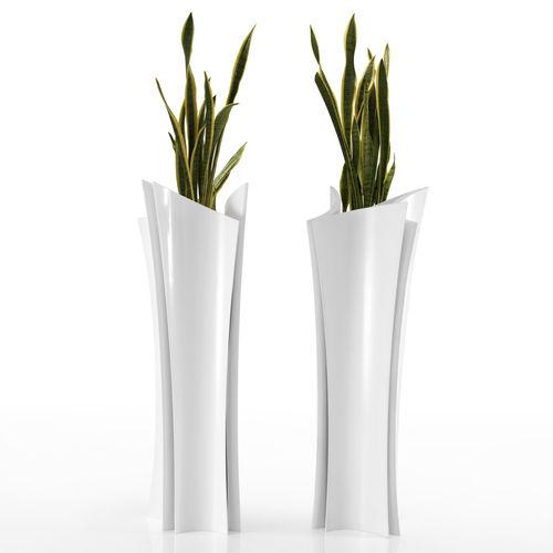 Vase contemporain / en résine Alma by A-CERO VONDOM