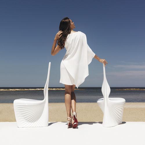 chaise de jardin design organique / en polyéthylène rotomoulé / par Ross Lovegrove